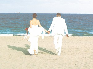 couple beach wedding photo